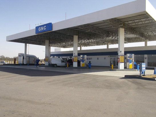 CNG filling station located in General Roca with one Microbox packaged GNC compressor and three EMB-15-1-D CNG dispensers by Galileo.
