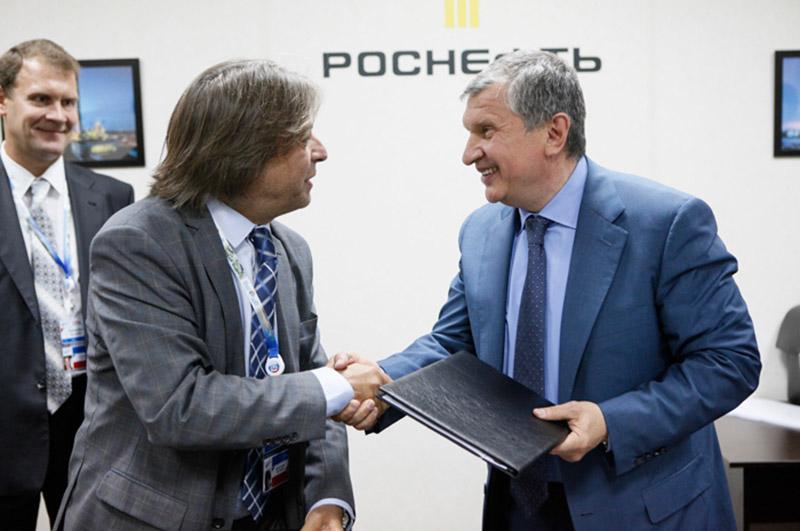 Osvaldo del Campo (left) e Igor Sechin (right)