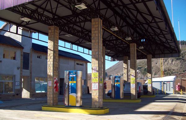 CNG filling station in San Martín de los Andes, equipped with CNG dispensers and compressor, wholly designed and manufactured by Galileo.