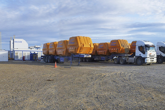 CryoVST<sup>®</sup> trailers at the compression mother station, located in Lomita de la Costa, Santa Cruz, Argentina.