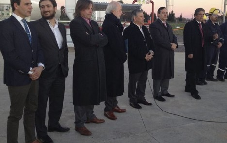 At the center, Osvaldo del Campo, Galileo's CEO, with Juan Carlos Lopez Mena, President of Buquebus, during the opening of the LNG plant of San Vicente.